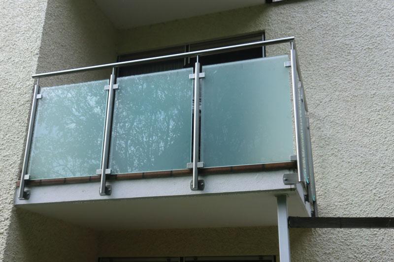 Glasgeländer kleiner Balkon